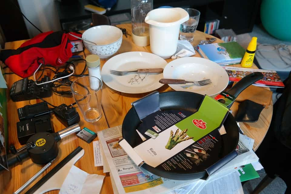 pieces of ceramics, plate, glass , radios and other electronic devices